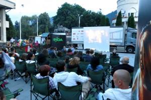 Mercedes-Benz Antos - Caravana Culturala - Proiectie film (1)