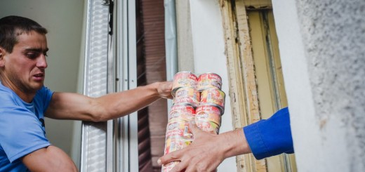 Scandia Food _ 15000 conserve donate  sinistratilor din Valcea si Gorj