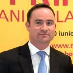 Daniel Kearvell (Managing Director DHL Express Romania) si Gabriela Szabo (Ministru al Tineretului si Sportului)