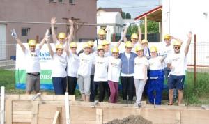Raiffeisen Bank santier Habitat for Humanity