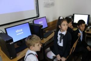 Bunge Noul laborator de informatica al scolii din Lehliu Gara
