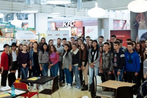 KFC - Intalnire Dani Otil - bursierii Vreau in clasa a noua Dolj