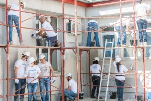 Voluntari Metropolitan Life_santierul Habitat for Humanity (3)