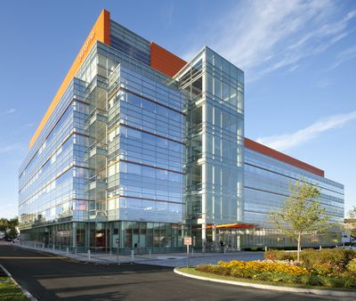 Cladire Genzyme_frontside1