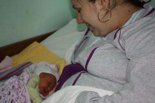 UNICEF_O_mamica_cu bebelusul_ei1