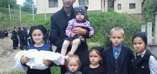 Campanie_ajutorare_cei_7_Copiii_din_satul_Cosbuc_Bistrita1