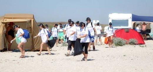 Campionatul_de_voluntariat_Petrom_plaja_Corbu2_2012