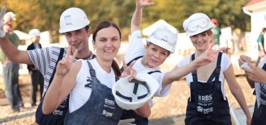 Voluntari_rbs_santier_Habitat_Ploiesti_2012