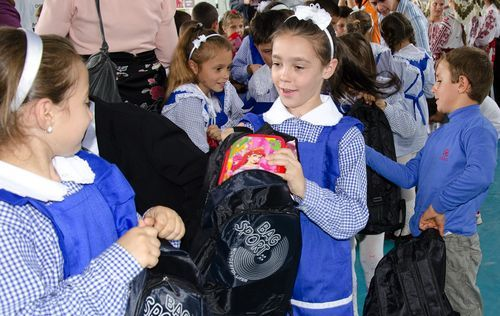 MoneyGram_Worldvision_Back_to_school_2012