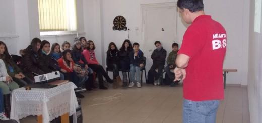 BGS_Divizia_medicala_Cercetasii_din_Centrul_Local_Scout_Sfanta_Tereza_Bucuresti_2012