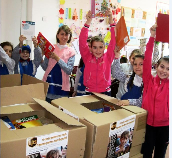 UPS_Romania_World_Vision_donatie_carti0_copii_2013
