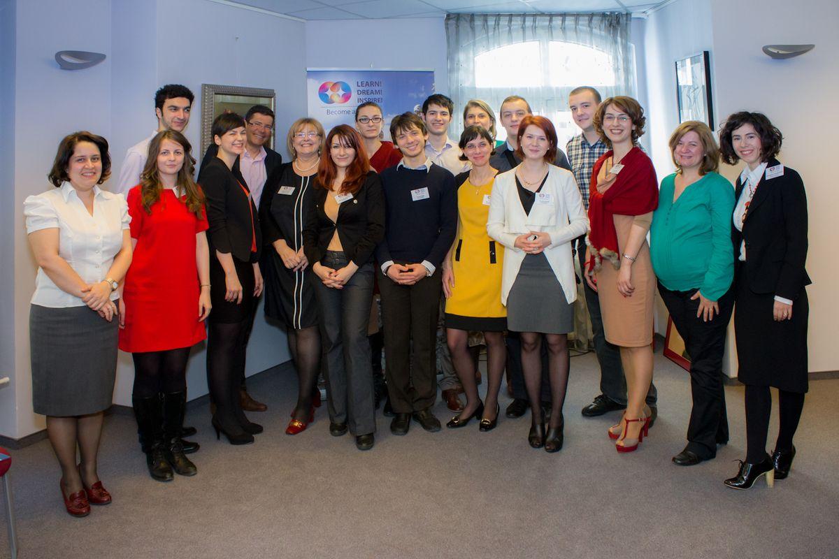 AmCham_Studentii bursieri si reprezentanti ai companiilor partenere_2013
