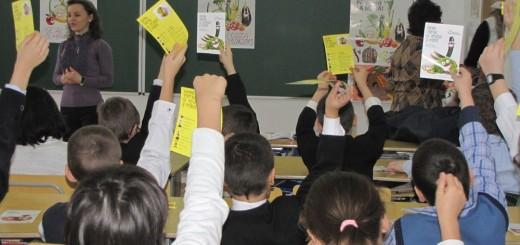 PRAIS_Activitate in scoli - Mai mult gust, mai multa savoare_2013