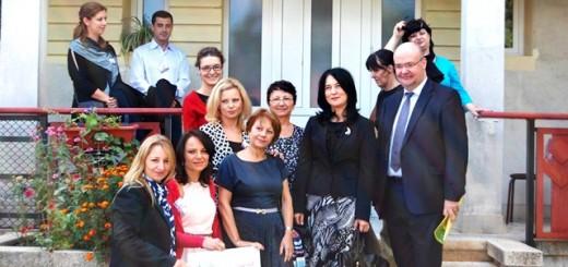 GDF SUEZ Partenerii in fata unei case SOS