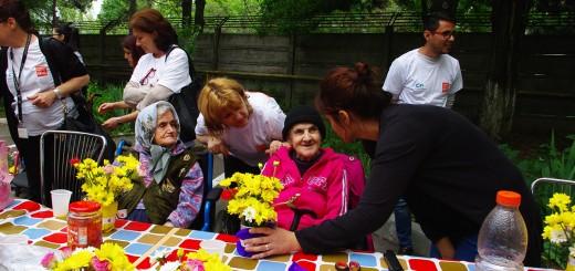 Voluntari CEZ si Asociatia Niciodata singur–Prietenii varstnicilor la prima activitate din cadrul proiectului