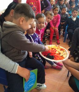 carrefour-degustari-de-fructe-si-legume-in-comunitatile-din-judetul-arges