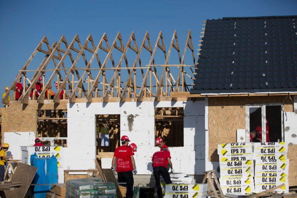Habitat for Humanity construieste 10 case la Cumpana Constanta (2)